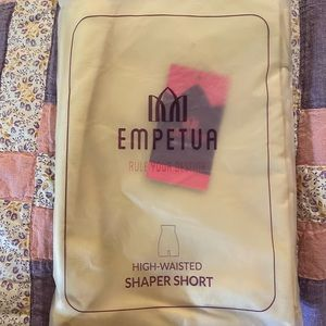 Empetua/Shapermint